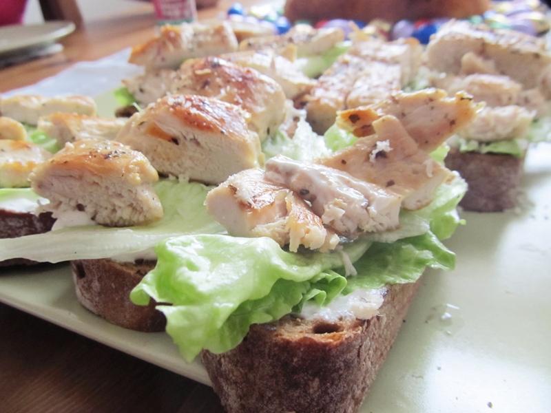 lehké chlebíčky s kuřecím masem recept