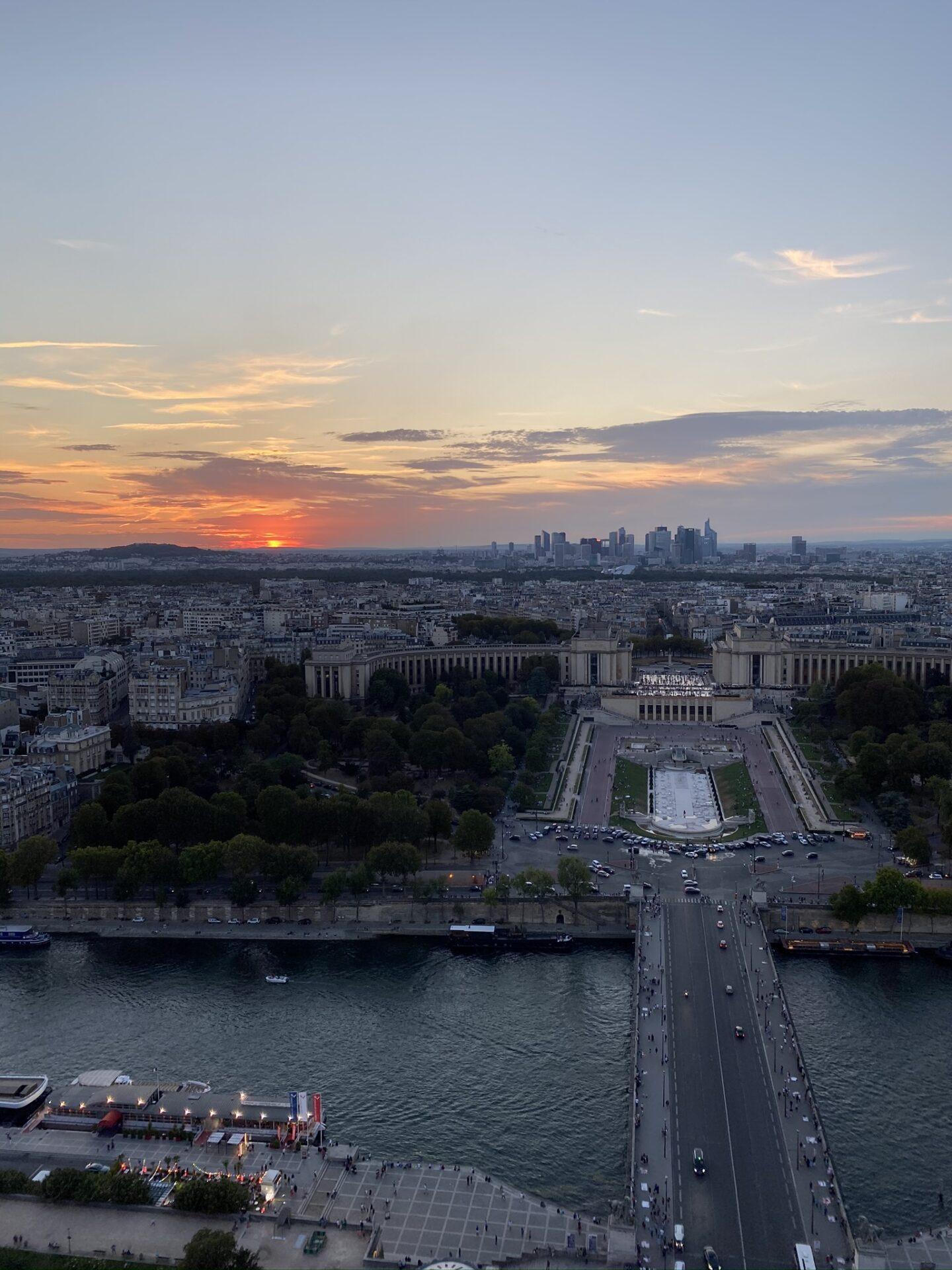 Pohled z Eiffelovy věže, Paříž